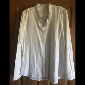 XL Gap Fitted Boyfriend Fitted Button Down Shirt
